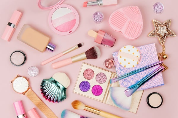 Beauty Gifts for Teen Girls | Makeup flatlay